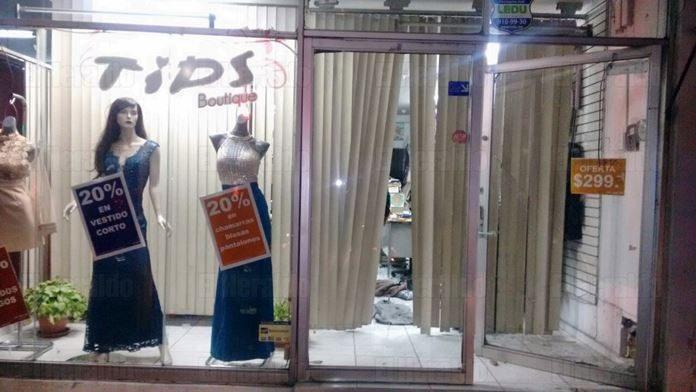 Rompe Aparador Para Robar Vestidos De Una Boutique El
