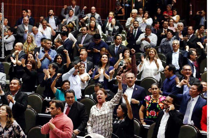 Diputados avalan la revocación y ponen a AMLO en boleta de 2021